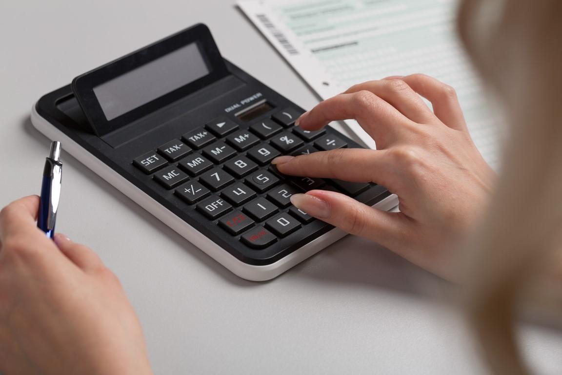 Empresarios y profesionales que pueden deducirse el IVA soportado por las comunidades de propietarios.